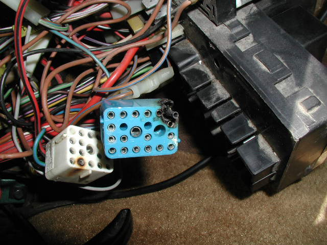 P8200099 burnt horn wire to fuse box old fuse box \u2022 wiring diagrams j old fuse box problems at edmiracle.co